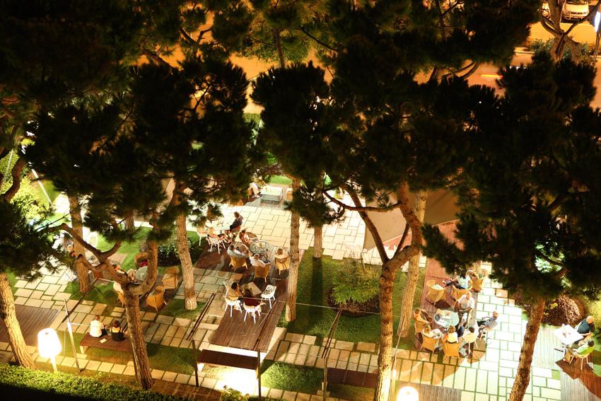 bar-giardino-notte_001crist_850-72