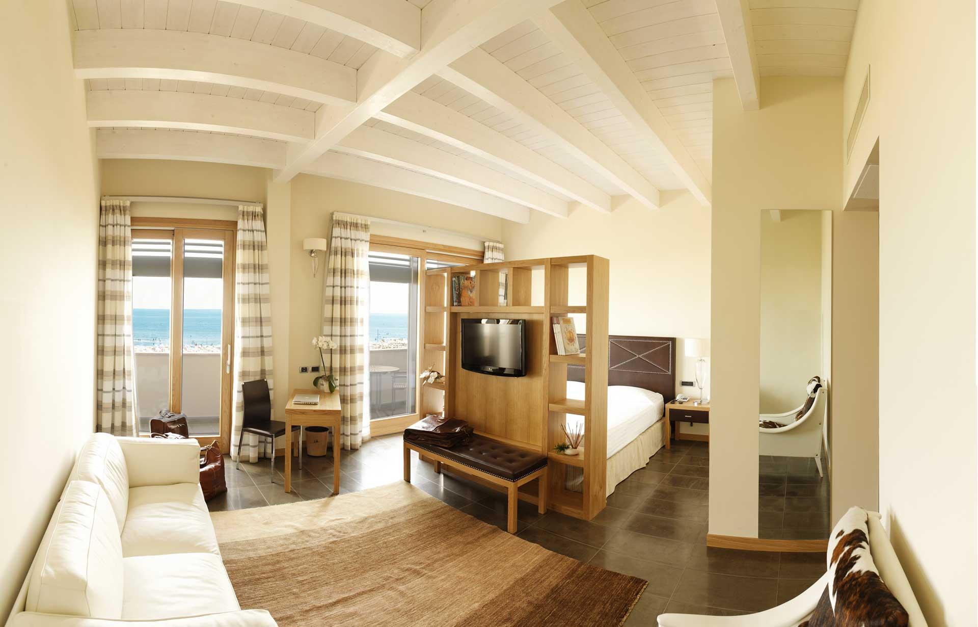 hotel-cristallo-giulianova-camere-j-suite_Panosuite-A