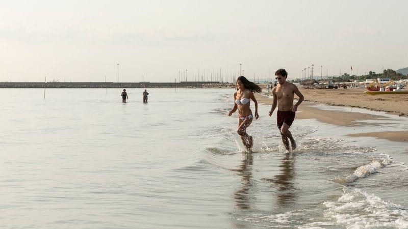 A Giulianova l'immensa spiaggia sicura e poco affolata - Hotel Cristallo Giulianova